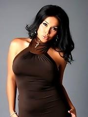 Glamorous tgirl Vaniity posing seductively naughty