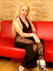 Shemale Cougar Elegance