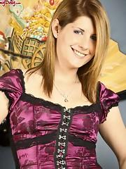 Amy masturbates in new corset