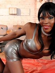 Ebony TS Gabrielle teasing with her looks