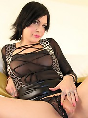 Alluring tgirl Alyssa posing on the bed