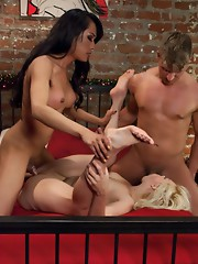 Sexy TS Jessica Fox fucks a husband and wife - First ever tss dp, tons of ass fucking, two big loads dropped in the wife's mouth, husband's