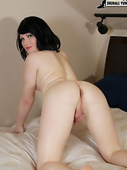Sexy Texan tgirl invites you up to her room for a solo strip tease!