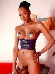 Ebony hottie Foxy posing her sweet juicy dick