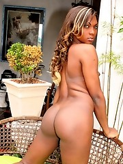 Big cocked girl from Rio De Janeiro who is looking to fall in love!