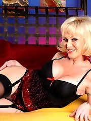 Blonde transsexual Olivia Love toying her tight ass